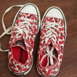EUC Converse All Star Lips